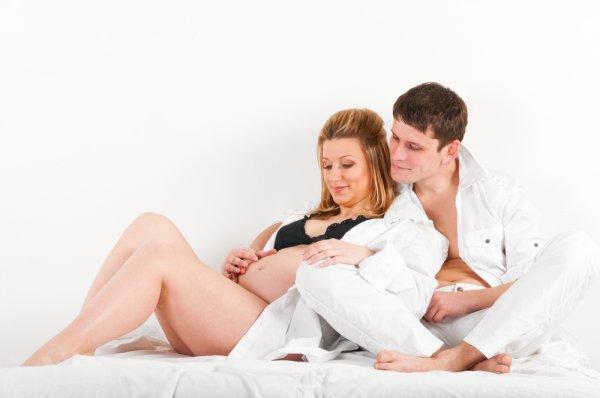 zhenshina-s-parnem-seks-video
