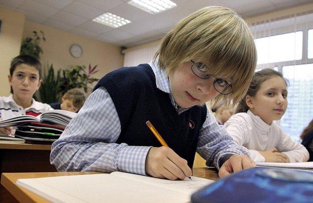 Как сохранить зрение ребенка в школьные годы