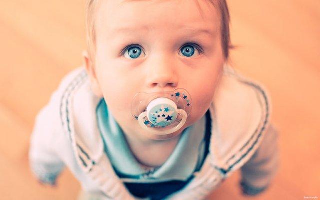 Пустышка – первый девайс вашего малыша