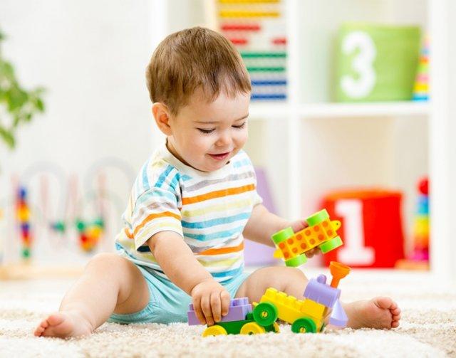 Серьёзный выбор, или как правильно покупать игрушки для детей от 0 до 2-х лет