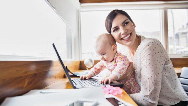 ТОП-5 лучших занятий для мам в декрете