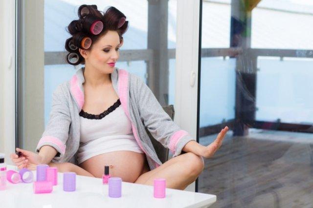 Косметические процедуры, которые можно посещать беременным
