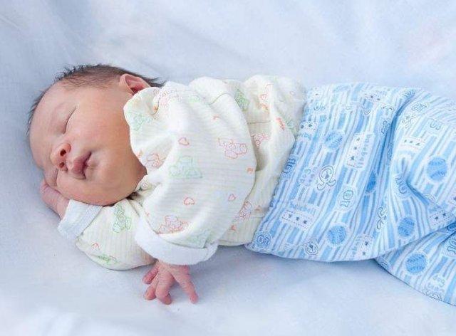 Новорожденный ребенок. Уход за ребенком и предметами его обихода