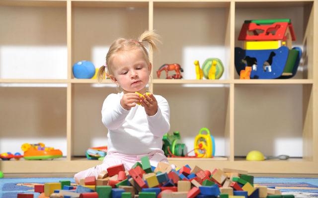 Приучаем ребенка убирать за собой игрушки