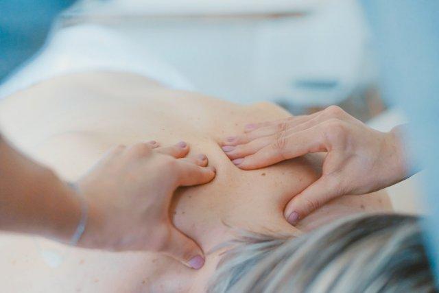 Можно ли беременным делать массаж?
