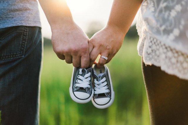 «2 полоски накедах» или как оригинально рассказать мужу обеременности?